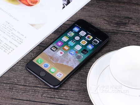 0双面全玻璃设计64G苹果iPhone 8港版