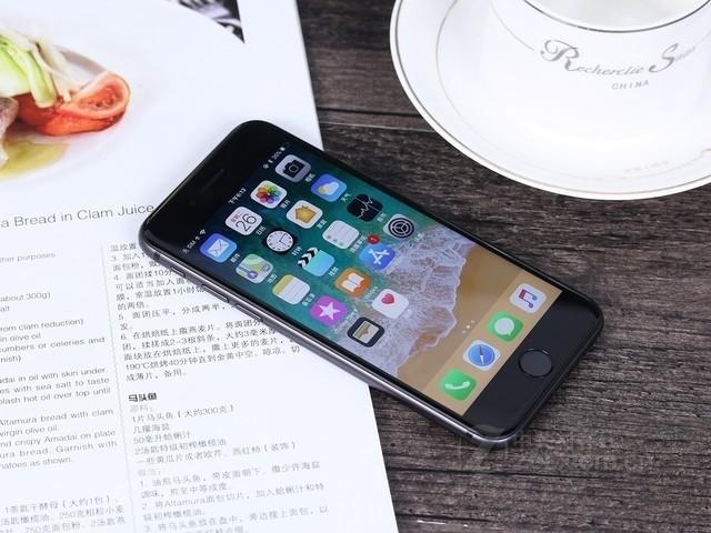 苹果iPhone 8 64G国行 济南促销4900