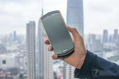 碳纤维材料 8848钛金手机M4买了却对值