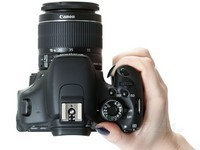 外形时尚 佳能600D数码相机 报价2574元