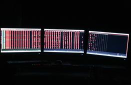 三屏显示的日常应用体验
