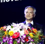 东芝数字产品及服务公司总裁 大角正明 先生