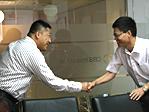 刘小东会见王新福先生