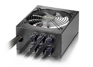 挑战仨HD6970 白金550W电源潜力有多大