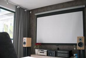 无需费心寻找 客厅用高亮投影机推荐