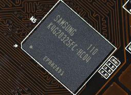 标配GDDR5 0.4ns颗粒