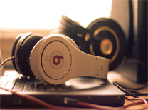 Beats 耳机