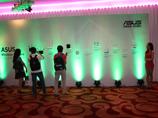华硕无线网络新品展示墙