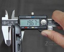 东芝U800机身厚度为19.67mm