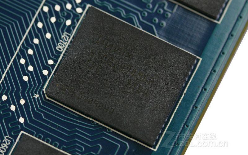 蓝宝石FleX HD7950 3G
