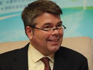 美国教育发展中心儿童与技术研究所高级专家 Daniel Light